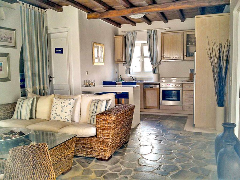 Купить апартаменты у моря в греции